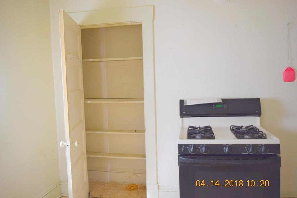Kitchen/Pantry