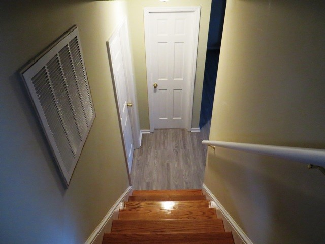 STAIRS TO FAMILY ROOM